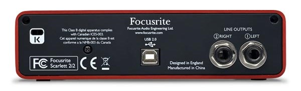focusrite-scarlett-2i2-back-panel